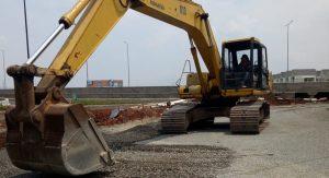 Besi Bangunan - Drymix - Hotmix - Beton - Cor - Reng Baja Ringan - Alat Berat - Wiremash - Beton - Baja Ringan - buldozer - excavator